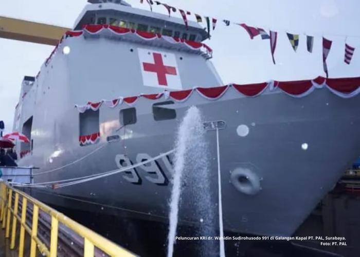 Kapal Bantu Rumah Sakit KRI Dokter Wahidin Siap Berlayar Melayani Pasien