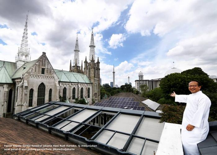 Pasang Panel Energi Surya, Katedral Jakarta Raih Rekor MURI