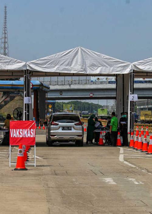 PERTAMA DI INDONESIA! Vaksinasi Drive Thru di Jalan Tol