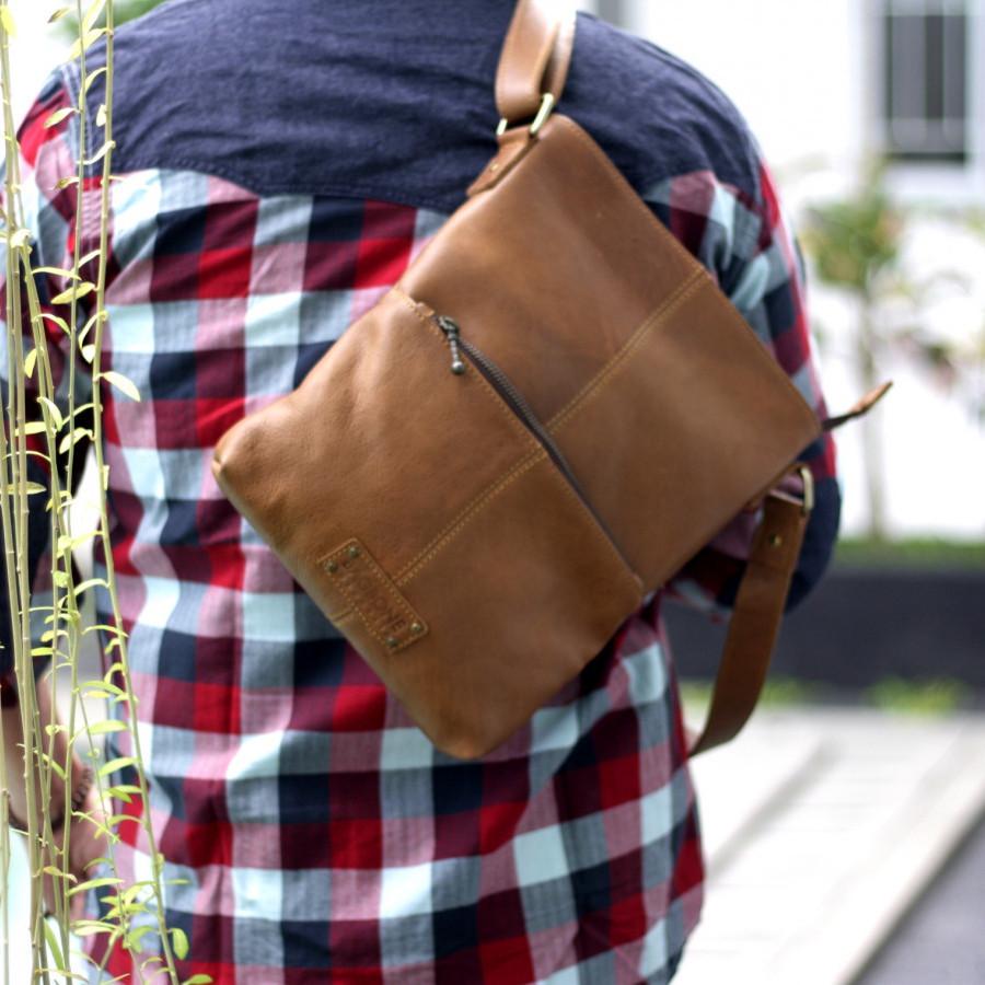 Cantona - sling bag kulit asli pria