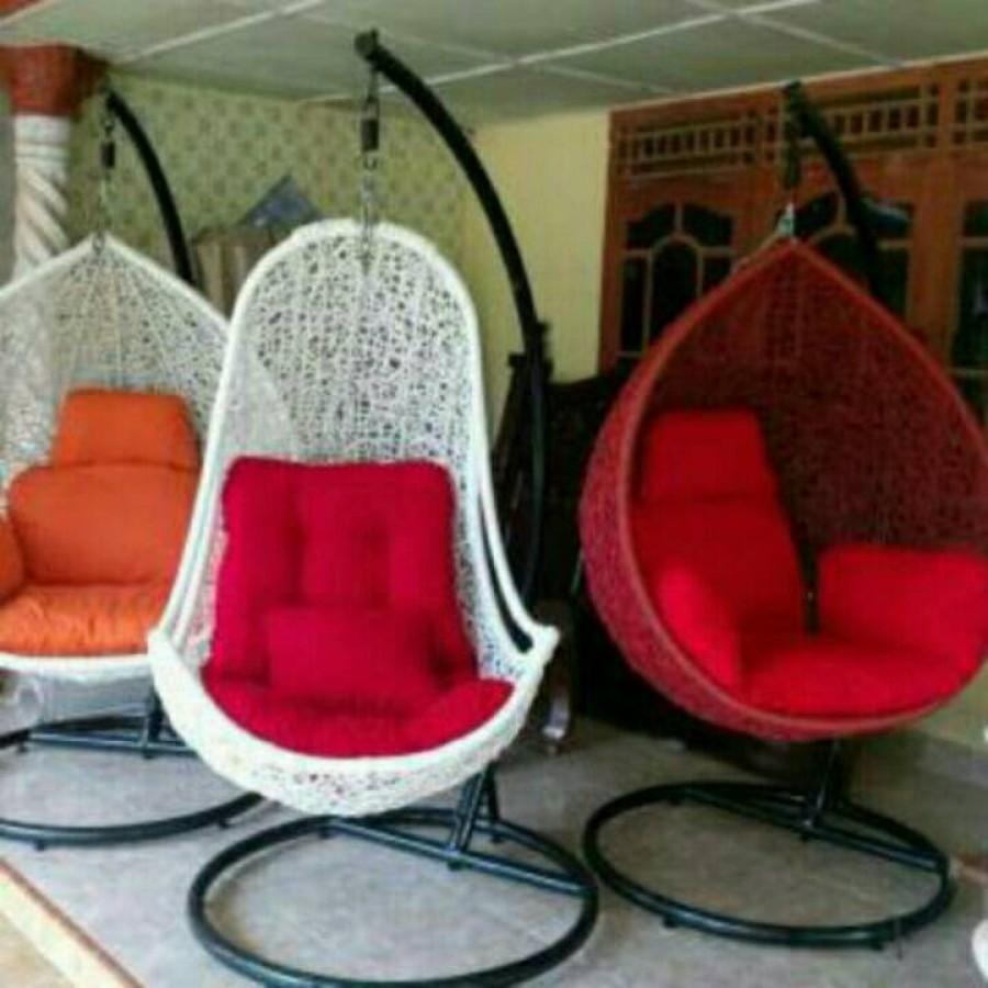 Kursi gantung / kursi ayun model pear