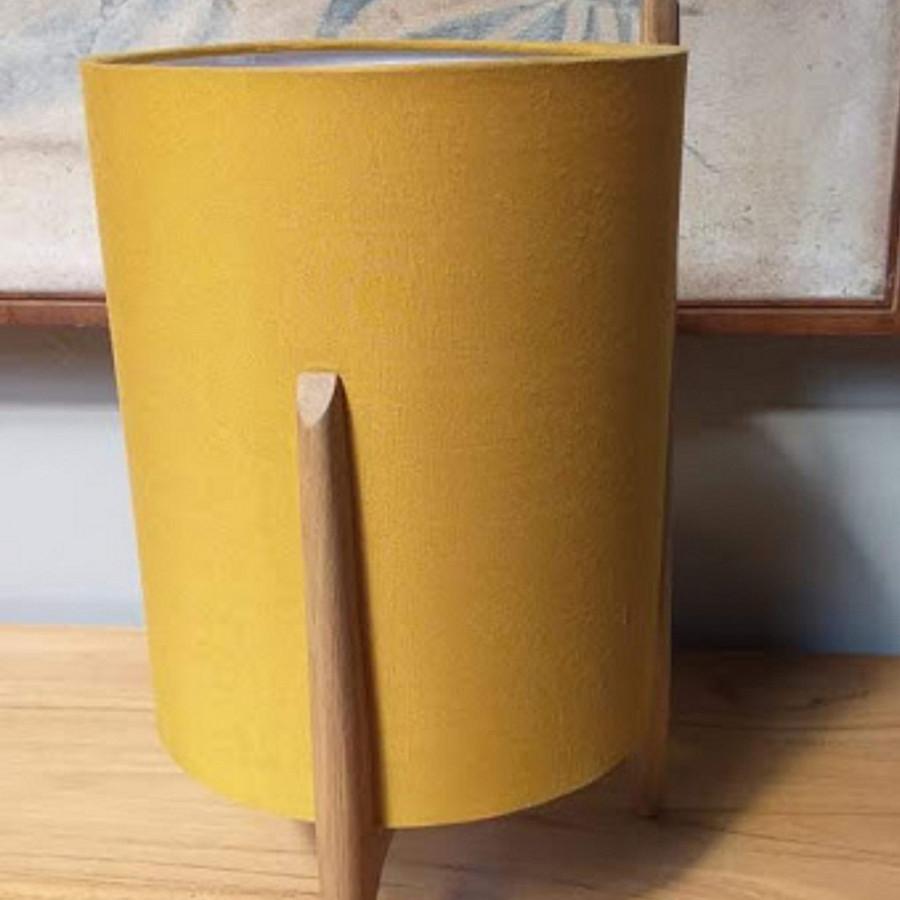 Lampu meja Kelana