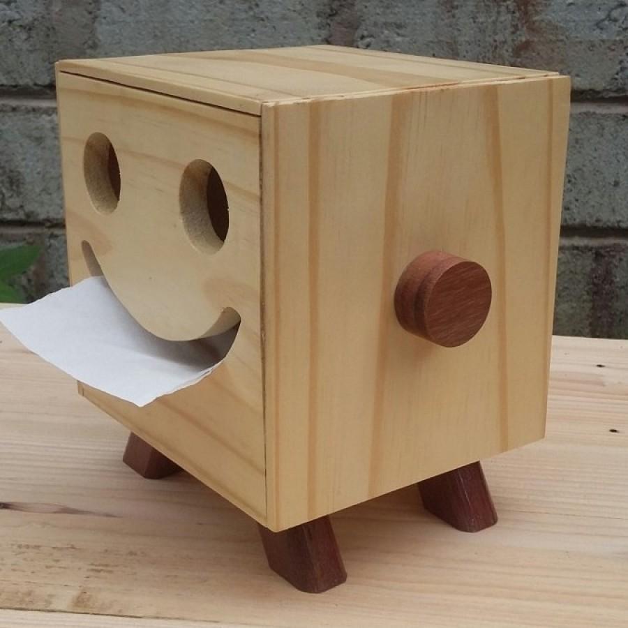 Kotak tissue smile kunin