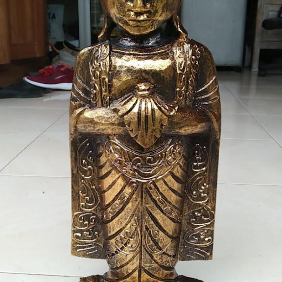 Budha Standing Lotus