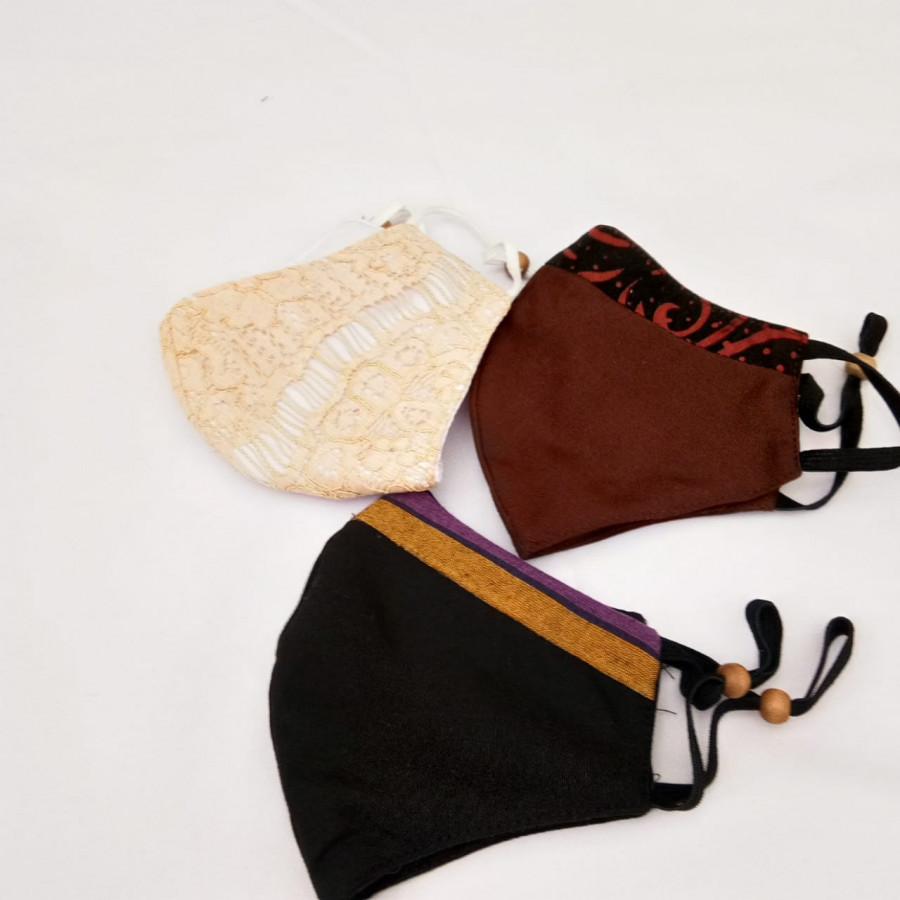 Masker Kain Lurik Brokat Set  Isi 3. Custom bisa milih. Pola nyaman dipakai.
