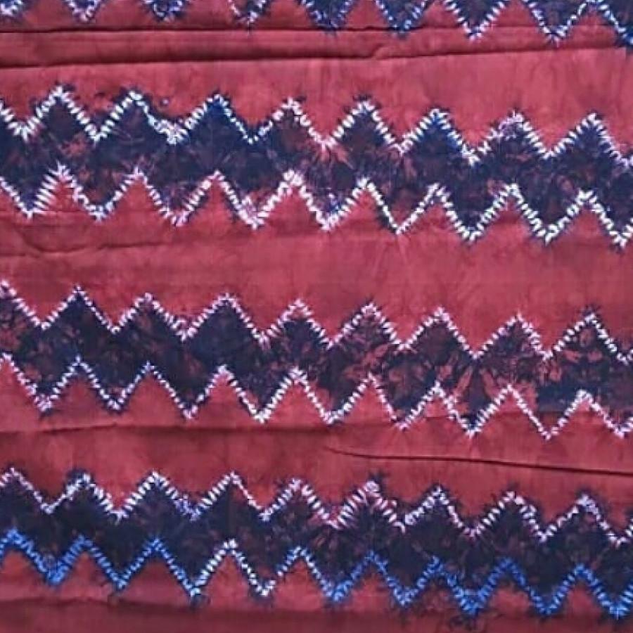 Sasirangan zig zag merah