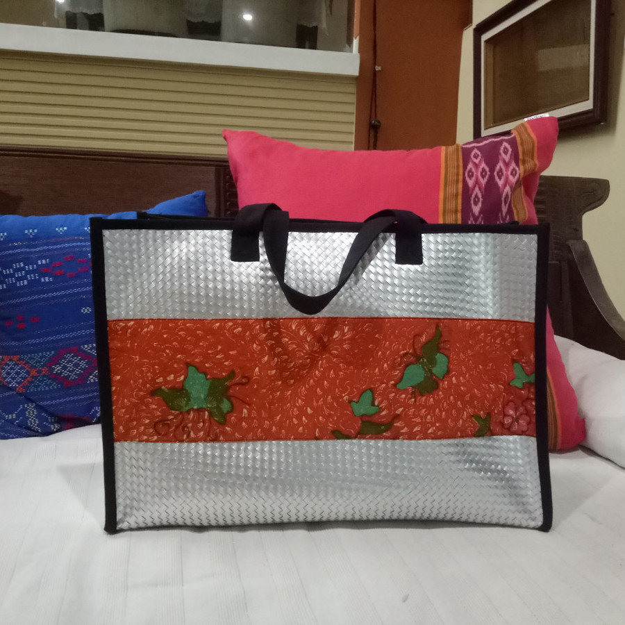 Tas daur ulang / recycle bag - Cantika Batik Orange (Medium)