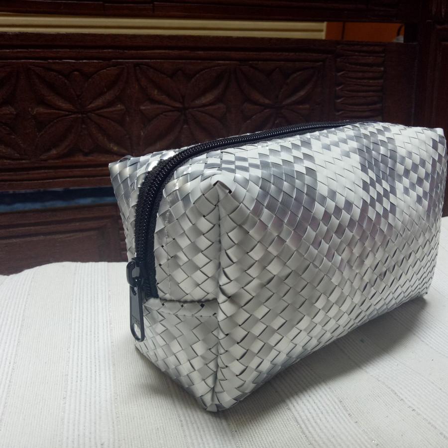 Tas daur ulang / recycle bag - Ayuna (Toiletries Bag)