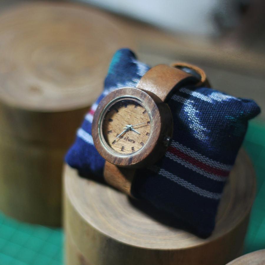 Jam tangan kayu handmade