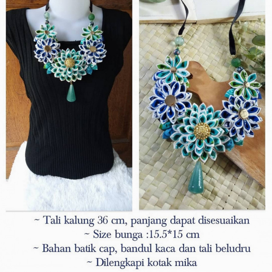 Kalung batik biru kanzashi