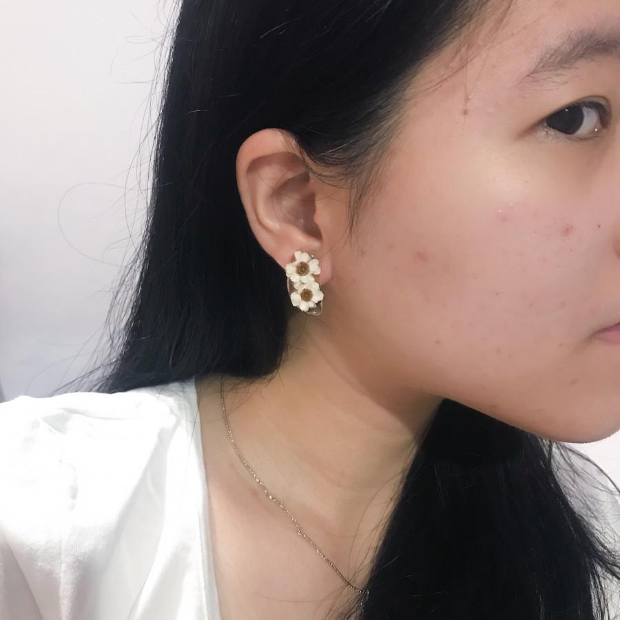 Ixodia Halfmoon Earring
