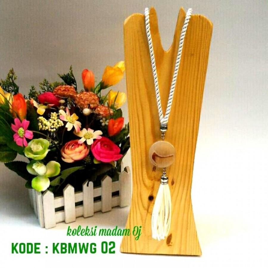 KALUNG BATU MEDALI WHITE STRIPE GOLD 02 ( KODE : KBMGW 02 )
