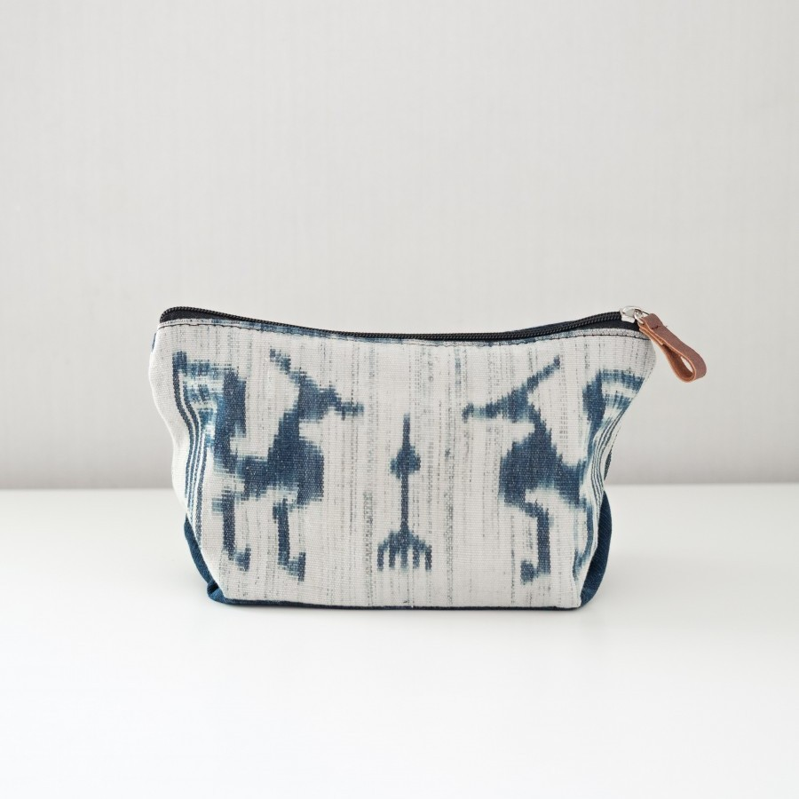 Dompet/Pouch Pewarna Alami - Ikat Sumba Timur