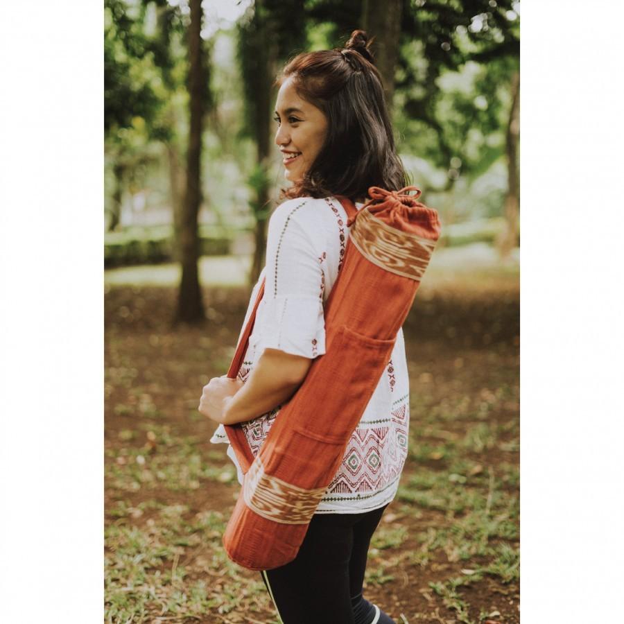 Tas Matras Yoga {Yoga Mat Bag} - Tenun Kalimantan Pewarna Alami - Merah {Dayak Iban} II