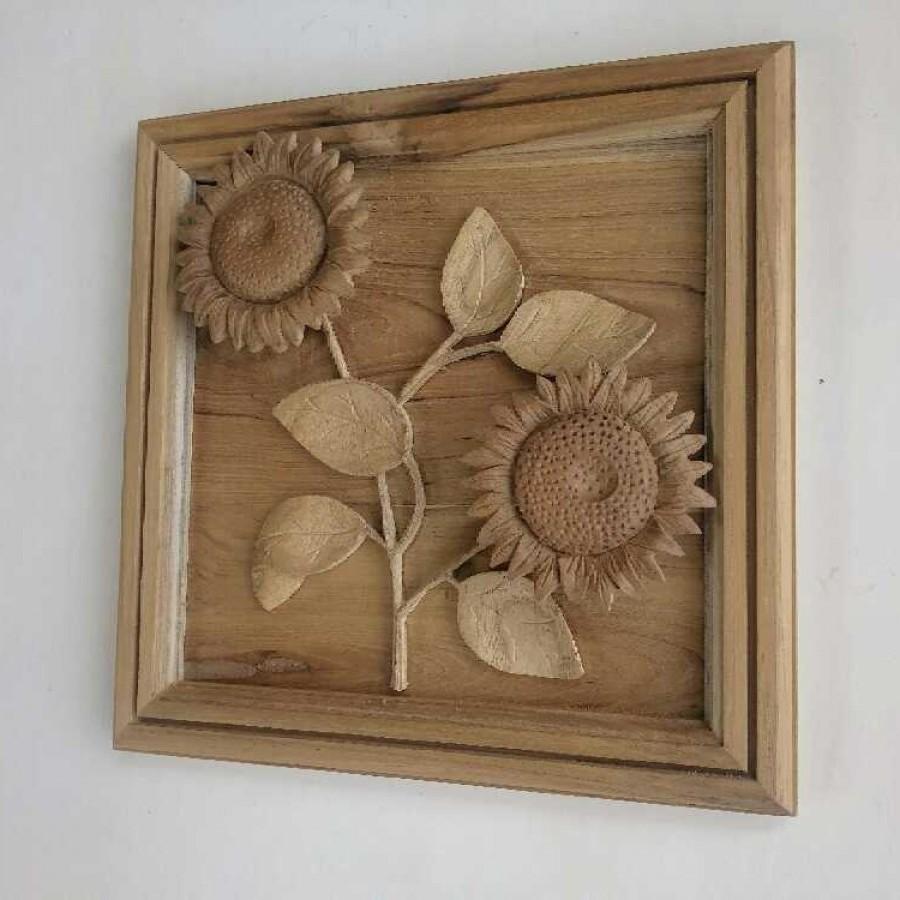 Hiasan dinding motif bunga matahari