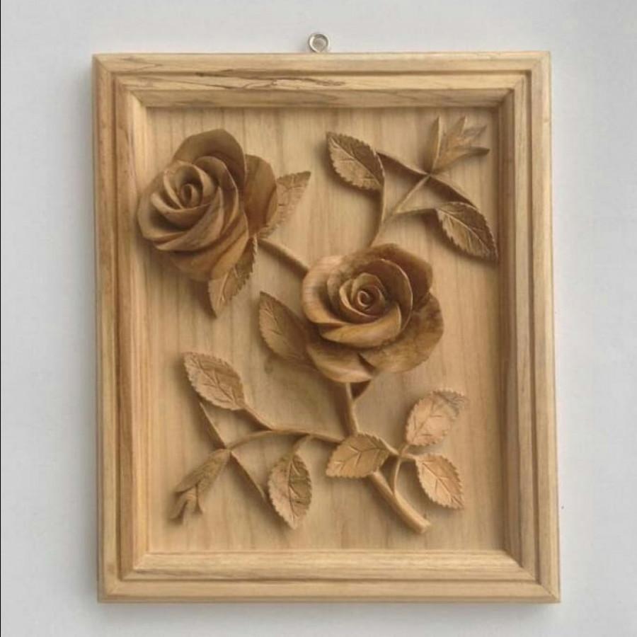 Hiasan dinding panel motif bunga mawar