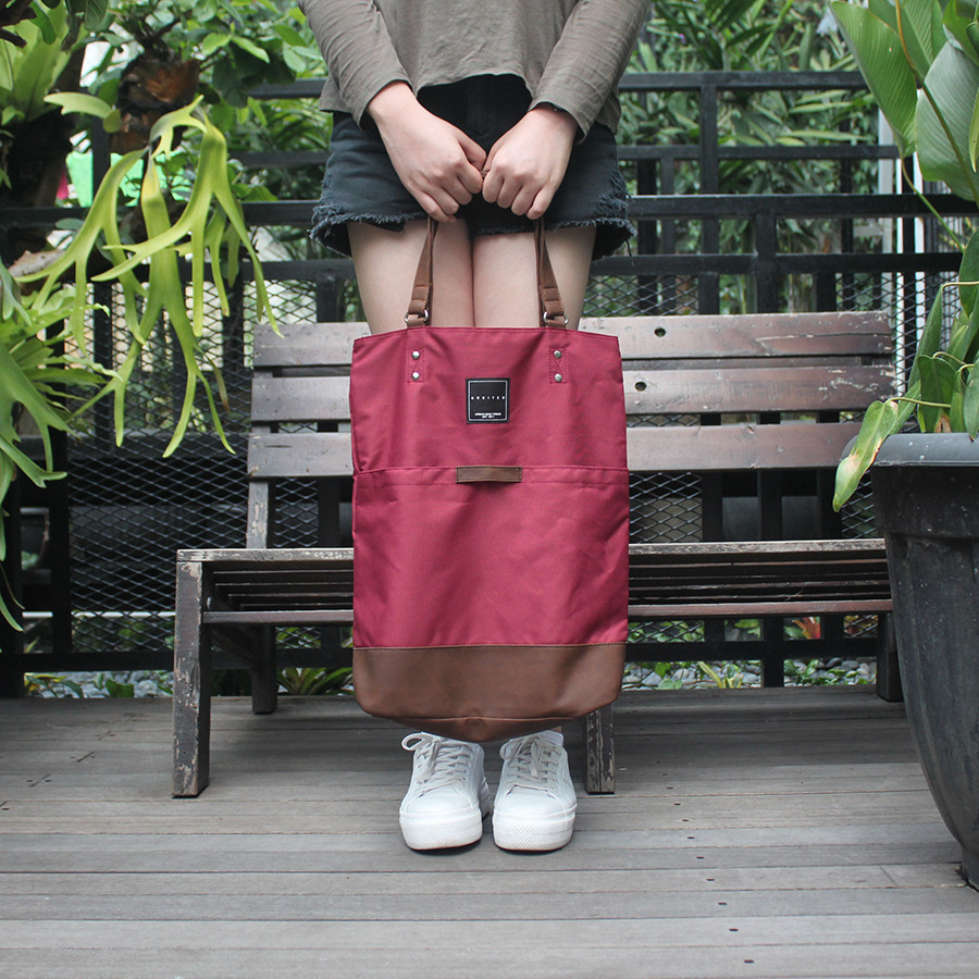 Tas Tote Bag Multifungsi Johnson [Arkitek] - Maroon