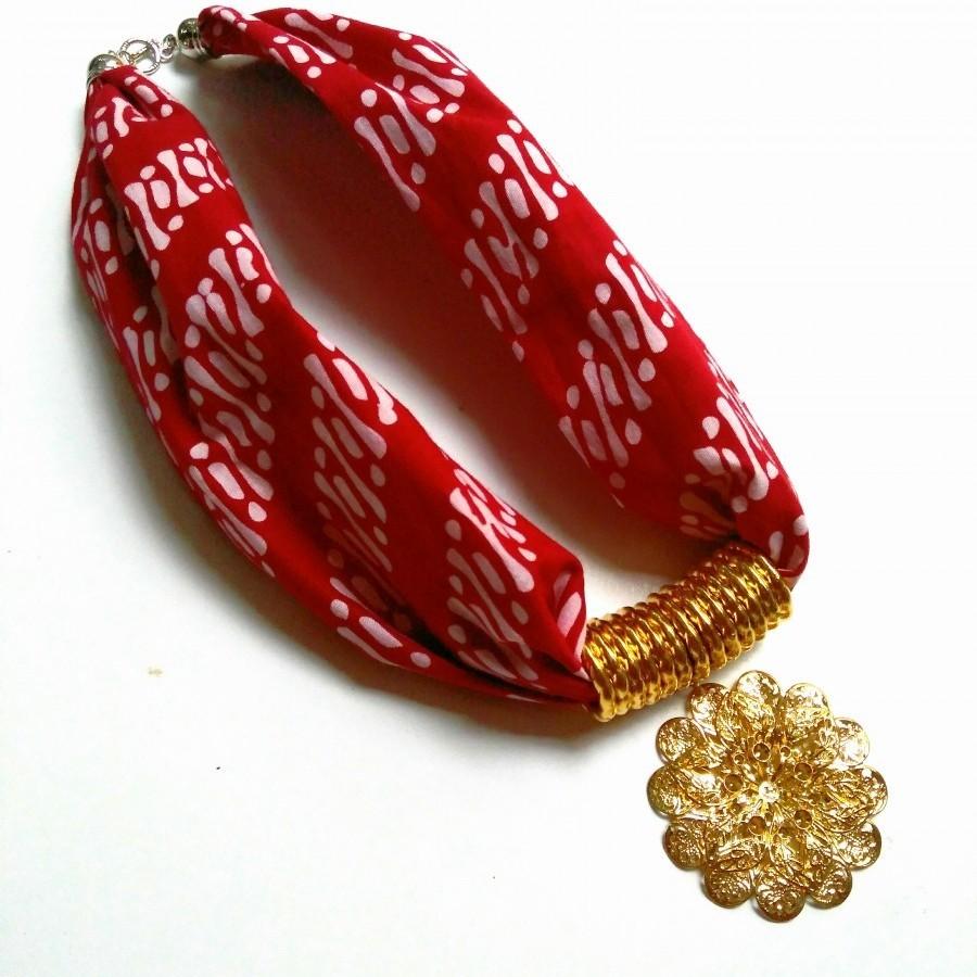 Kalung Batik Bunga (Merah)