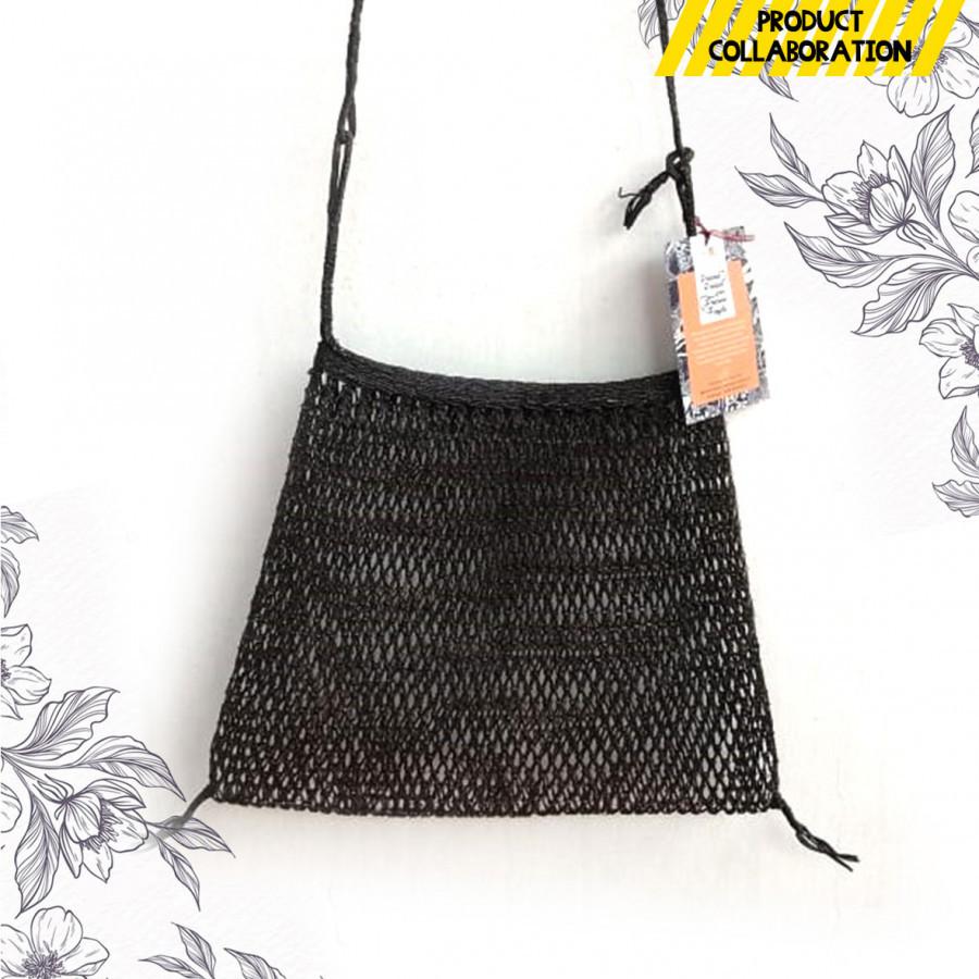 Sling Bag Weave Root / Tas Tali Panjang Anyaman Akar