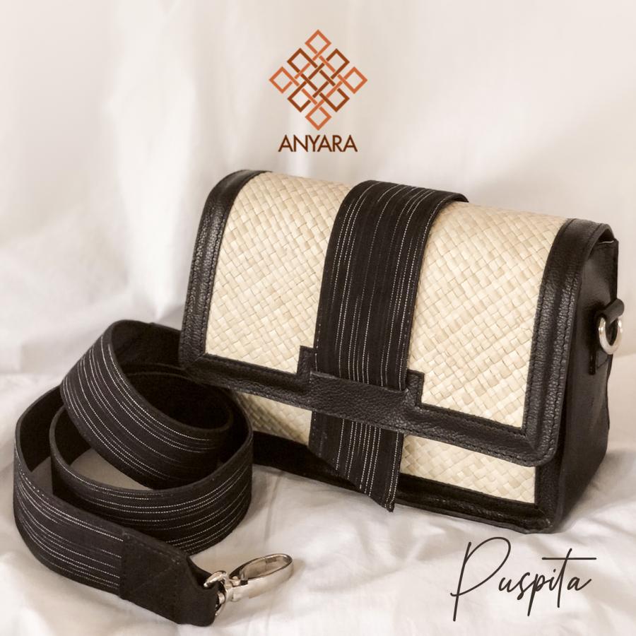 Tas Anyaman Pandan - Puspita by Anyara