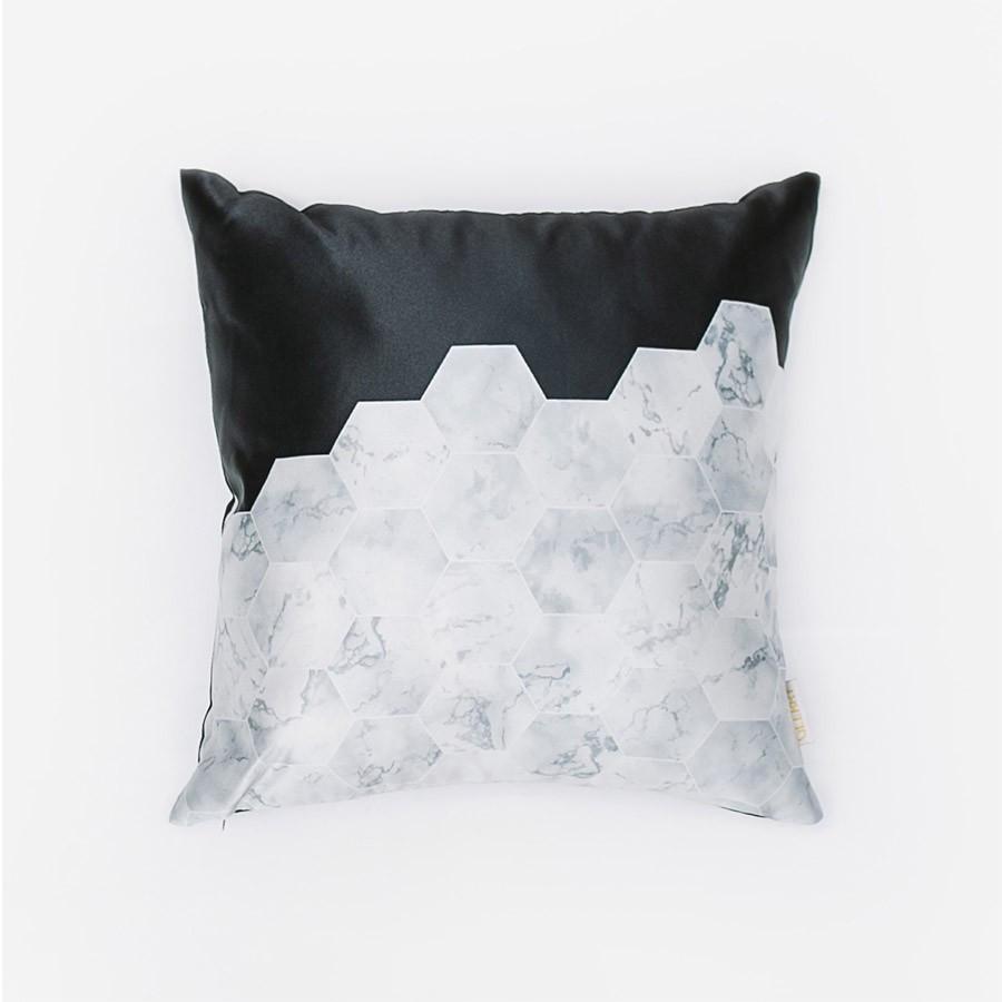 BW Hex Cushion 40 x 40