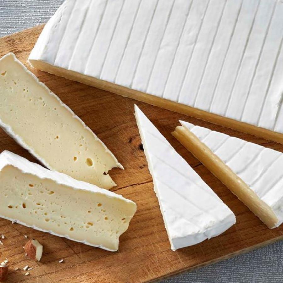 Artisan Made French Style Brie - Keju Brie Khas Perancis - +-220g