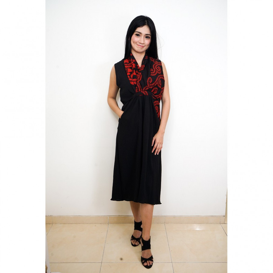 FS - GESYAL Midi Dress Batik Wanita - Black Red