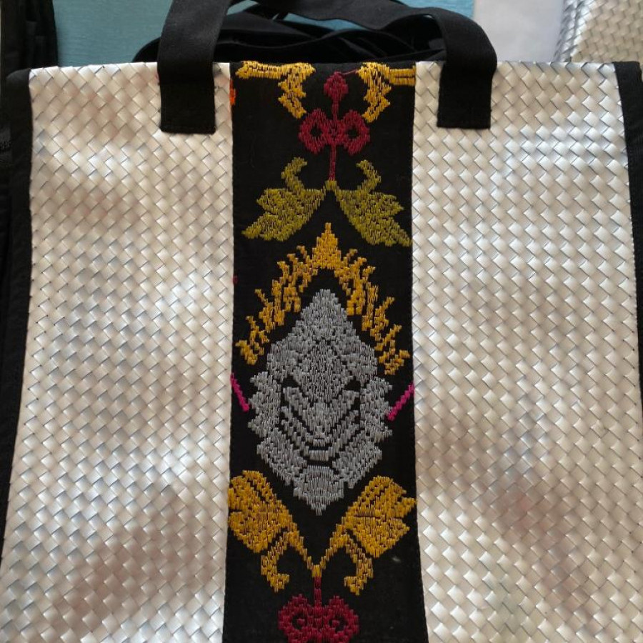 Tas daur ulang / recycle bag - Malika Bali