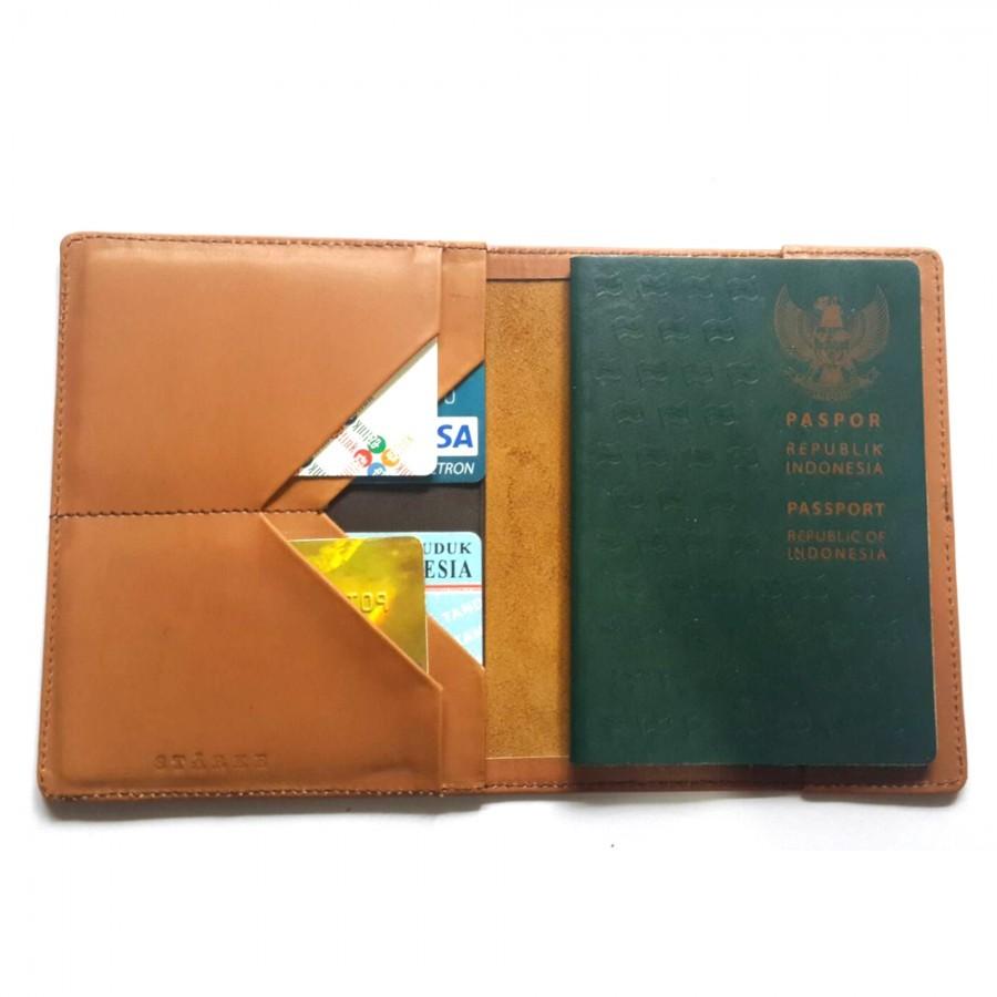 Dompet Paspor Kulit Asli Furlough Mule Passport Cover