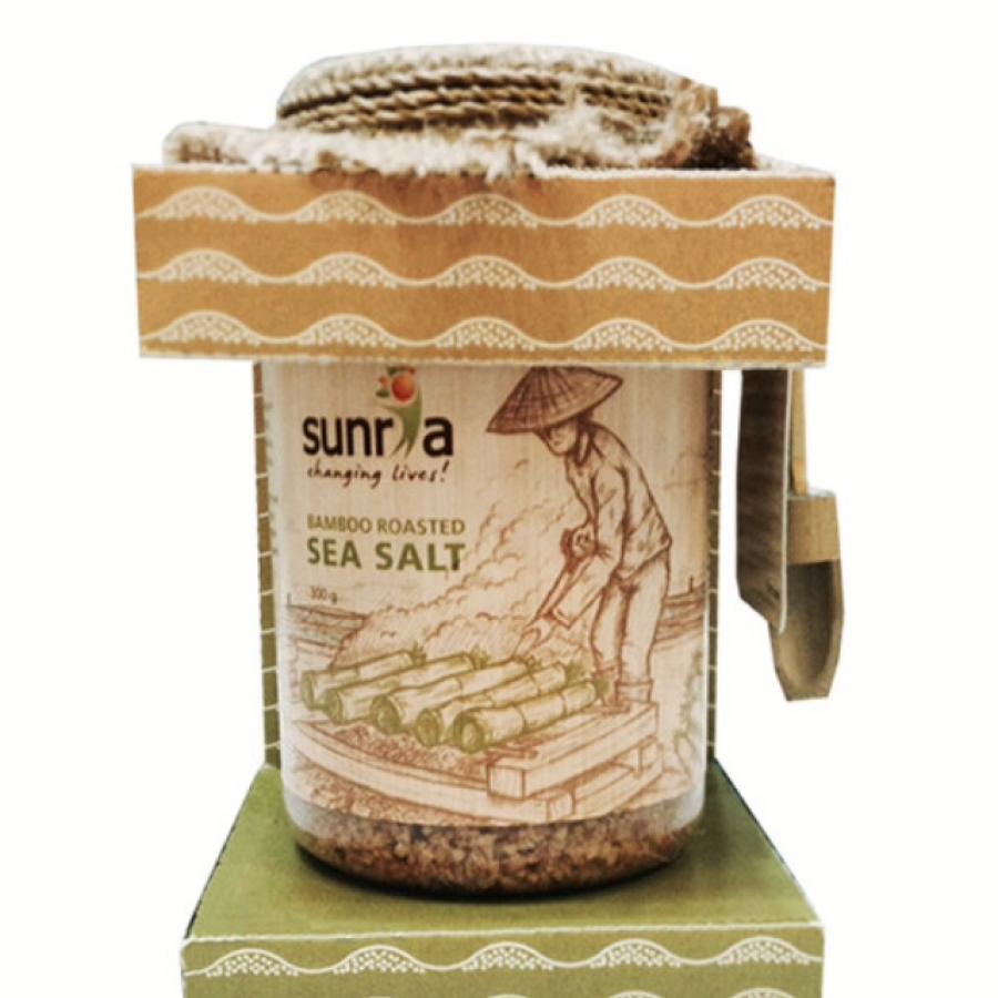 Sunria Bamboo Roasted Sea Salt / Garam Laut Sehat 300gr (Medium Grain)