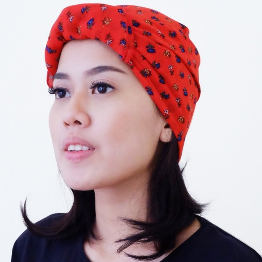 Headscarf Neckerchief: reddish