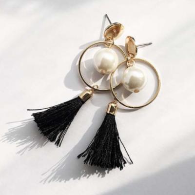circle-pearl-tassel-earrings-black-tassel
