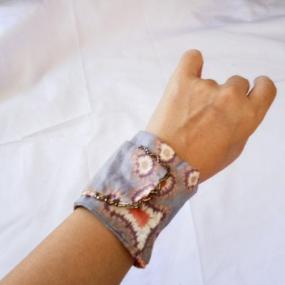 gelang-batik-handmade-wanita-etnik-batik-gesyal-pastel