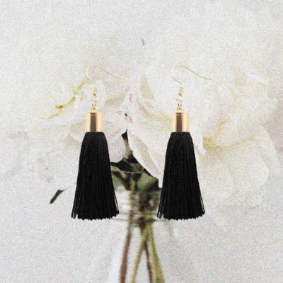 black-tassel-earings