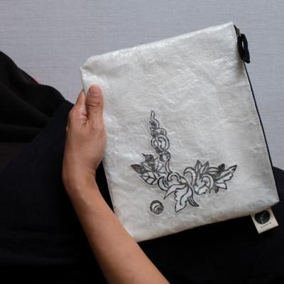 rangkai-bunga-pouch
