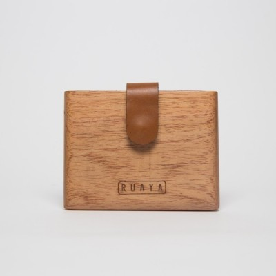 hamlet-wooden-card-case