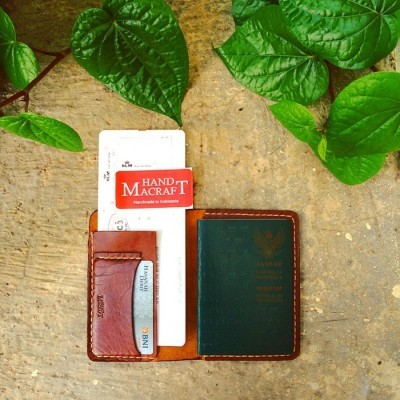 passport-holder-with-boarding-pass-and-credit-card-color-brown