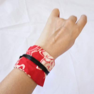 gelang-batik-tali-wanita-etnik-gelang-kulit-hitam-merah-gesyal
