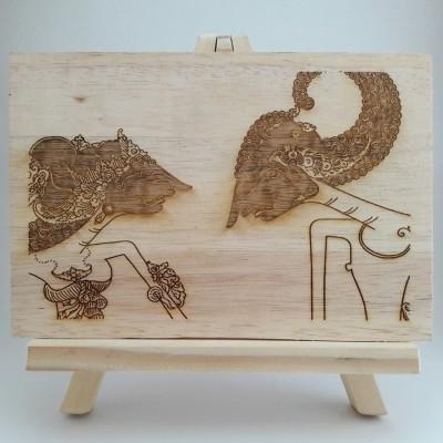 pigura-hiasan-meja-wayang-arjuna-srikandi
