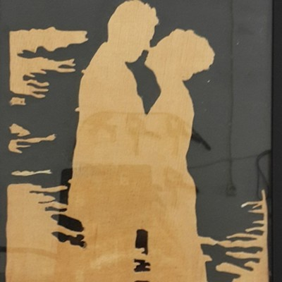 wooden-silhouette-photo-in-frame