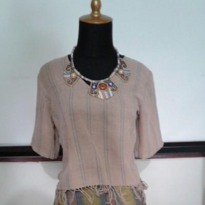 blouse-tenun