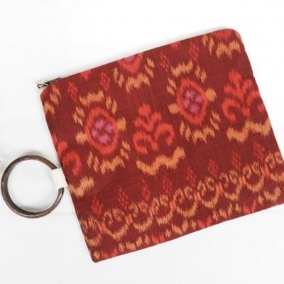 semara-oversized-pouch