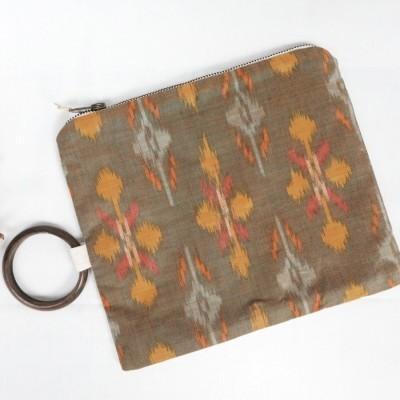 candidasa-oversized-pouch