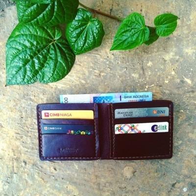 dompet-kulit-pria-warna-dark-brown