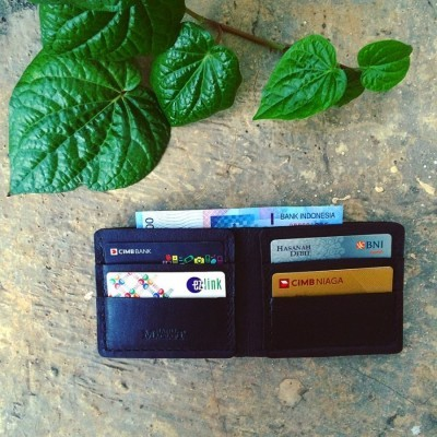 dompet-kulit-pria-warna-dark-black