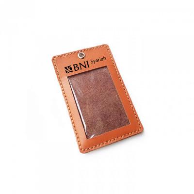 name-tag-id-kulit-asli-sapi-logo-bni-syariah-warna-tan-garansi-1-tahun-tali-id-card.-gantungan-id-card-