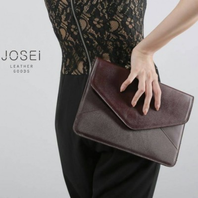 envelope-leather-clutch