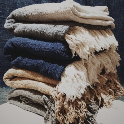 throw-blanket-blanket-selimut-tenun-indonesia-100-organic-cotton-eco-friendly-and-great-for-your-soul