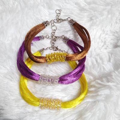 satin-seed-beads-bracelet