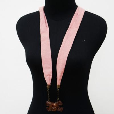 kalung-kayu-kalung-syal-polos-linen-gamelan-saron-129-pink-gesyal-diikat